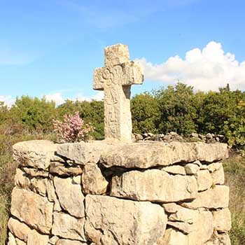 Old Crosses Hiking Daily TM Adventure Link